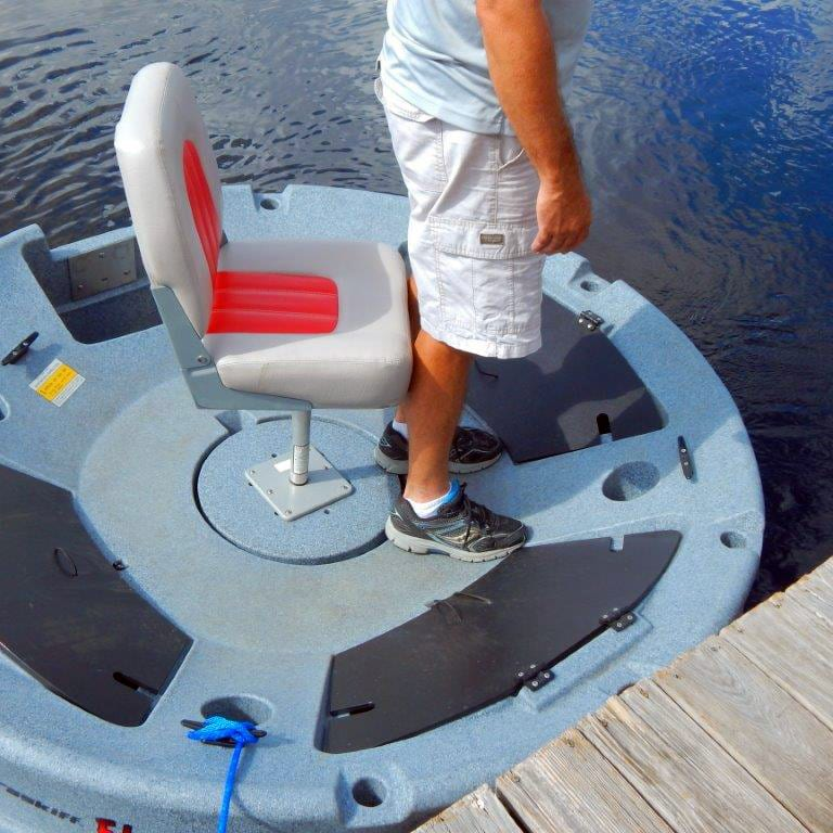 ultraskiff 360 deck foot room